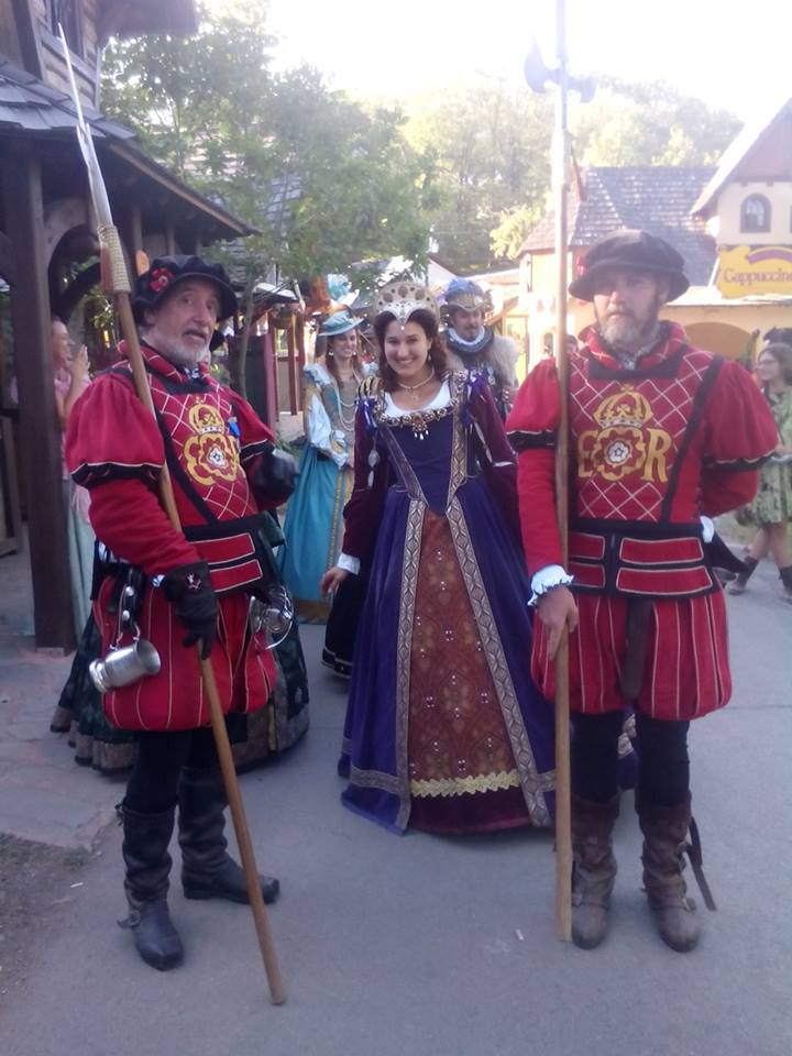 NY RENFAIRE 2015 THE QUEEN